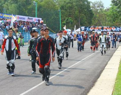 Giải đua xe thường niên Suzuki Raider vòng 1 diễn ra tại Bình Dương