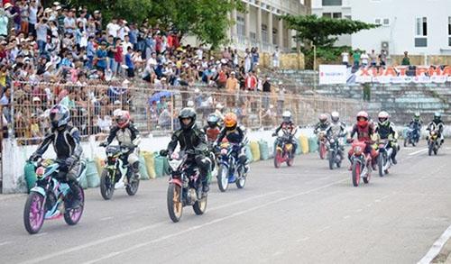 Giải đua Suzuki Raider 150cc sôi động tại Đà Nẵng
